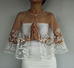 Wedding dress capelet; nice alternative to a veil.  Would love a really long one for myself.