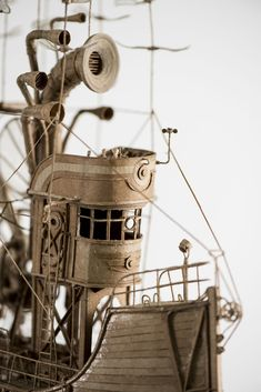 Magnificent Cardboard Airships by Jeroen van Kesteren | Colossal