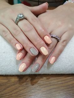 beige gel, grey gel