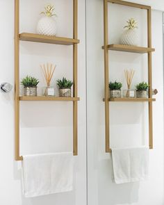 small home accessories - homeaccessories Cheap Home Decor, Diy Home Decor, Room Decor, Toilet Accessories, Home Accessories, Bathroom Interior Design, Interior Decorating, Decorating Bookshelves, Wood Interiors
