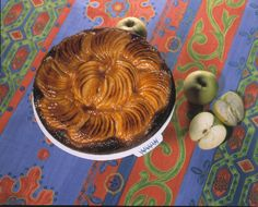 This is a very clasical apple tart with almond cream beneath the Golden Delicious apples. After baking it's glazed with apricot jelly and Cointreau.
