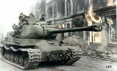 ИС-2 образца 1944 штурмует Берлин 1945