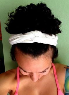 Tank top with a hole in it? T-shirt with pit stains? Don't throw them out! Upcycle them by creating a no-sew workout headband. #DIY #Fashion