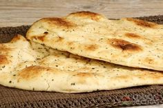 Naan Bread -- delicious and so easy to make! My whole family loves it. I Love Food, Good Food, Yummy Food, No Carb Bread, Arabian Food, Cooking Bread, Food Places, Veggie Recipes, Snacks