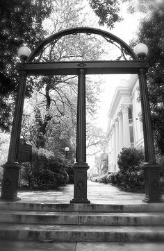 UGA monument... you shouldn't walk through the arch until graduation day!