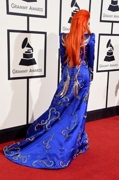 http://www.brasilpost.com.br/2016/02/16/lady-gaga-ziggy-stardust_n_9240352.html