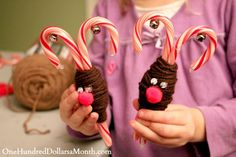 Easy Christmas Crafts - Candy Cane Reindeer #Christmas