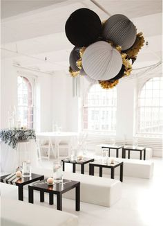 Black white gold wedding decor love it!