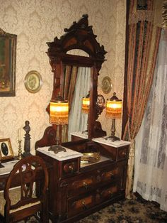 Victorian dresser with mirror, glove boxes, and marble top. Victorian Dressers, Victorian Home Decor, Victorian Bedroom, Victorian Interiors, Victorian Furniture, Victorian Era, Antique Furniture, Furniture Decor, Victorian Houses