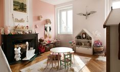 Stéphanie Zwicky, Lino 7 and Alba 4 years old - The Socialite Family Anne Claire Ruel, Socialite Family, Cool Kids Rooms, Old Mansions, Create A Family, Paris Apartments, French Countryside, Kids Room Design, Dreams
