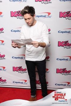 December 11th: Niall on the Kiss108 Jingle Ball red carpet in Boston