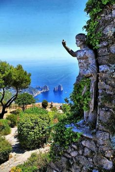 Capri, Italia - I spent time here. Capri is an idyllic place. The water hues from the sea are magical. I took a private boat to the grottos located nearby. The intensity of color was breathtaking. Capri Italia, Dream Vacations, Vacation Spots, Italy Vacation, Italy Trip, Italy Honeymoon, Isle Of Capri Italy, Places To Travel, Places To See