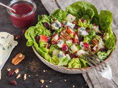 Apfel-Pekannuss-Salat mit Blauschimmelkäse