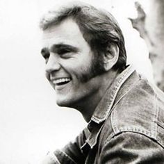 In the Footsteps of the Snowman: A Jerry Reed Retrospective Country Singers, Country Music, Johnny Paycheck, Jerry Reed, Smokey And The Bandit, Burt Reynolds, Sports Stars, Classic Movies, Classic Hollywood