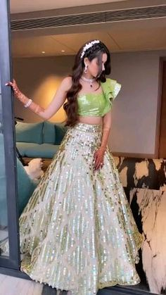 Gown Party Wear, Party Wear Indian Dresses, Designer Party Wear Dresses, Indian Gowns Dresses, Indian Bridal Outfits, Party Wear Lehenga, Indian Fashion Dresses, Indian Bridal Wear, Dress Indian Style
