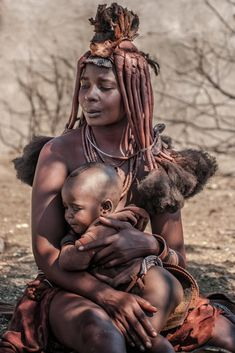 Precious Moments by Pavol Stranak. The Himba in southern Angola African Girl, African Beauty, African Women, Afro, Beautiful Black Women, Beautiful World, Himba People, Precious Moments, Tribal People