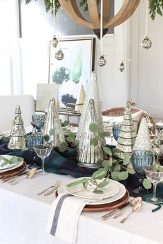 Eclectic Christmas Tablescape with mercury glass christmas trees and ornaments Christmas Dining Table, Christmas Table Settings, Christmas Tablescapes, Glass Christmas Tree, Green Christmas, Christmas Home, Minimal Christmas, Coastal Christmas, Modern Christmas