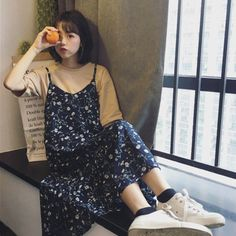 Outstanding Spring Outfits That Always Looks Fantastic - Knitters Korean Girl Fashion, Korean Fashion Trends, Muslim Fashion, Modest Fashion, Fashion Outfits, Young Fashion, Fashion Women, Floral Dress Outfits, Modest Outfits