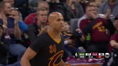 LeBron james throws the oop to Richard Jefferson    Celtics vs Cavs   December 29 2016
