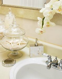 Classy & Fabulous The Modern Guide to Becoming a More Classy Woman: e-Decorating Services -Bathroom Accessorizing/staging for older condo in Florida Condos In Florida, Florida Home, Studio Apartment Design, Condo Decorating, Decorating Bathrooms, Decorating Ideas, Bathroom Inspiration, Bathroom Ideas, Restroom Ideas