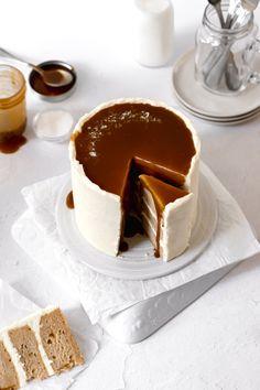 Homemade Cake Recipes, Baking Recipes, Dessert Recipes, Flat Cakes, Fancy Cakes, Homemade Caramel Sauce, Mexican Hot Chocolate, Creative Desserts, Cupcake Cakes