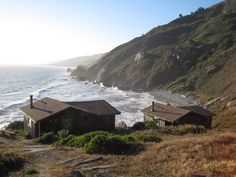 Steep Ravine | Gardenista What we knew: the ten cabins are an hour north of San Francisco, it's really hard to get reservations, and we should bring all of our regular camping gear minus the tent. What we didn't know: we were about to be completely blown away.
