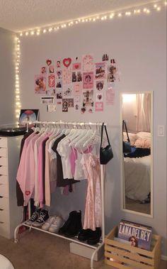 Bedroom Layouts, Room Ideas Bedroom, Bedroom Inspo, Bedroom Decor, Study Room Decor, Cute Room Decor, Dorm Bedding Sets, Fairy Room, Room Goals
