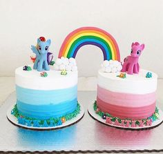 Large fondant rainbow ! My little pony twin cakes