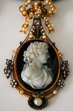 Details about ANTIQUE VICTORIAN FRENCH CAMEO GOLD DIAMOND PEARLS SET EARRINGS…