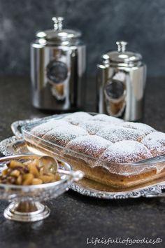In manchen Phasen des Lebens hilft nur noch Süßes. Ganz egal ob Kuchen, Schokolade oder eben Buchteln, der Zucker in diesen Leckerein hebt die Laune!