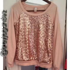 Sparkly Pink Crew Sweater! Fits oversized! All sequins intact. New condition     Trade price $13 No Boundaries Sweaters Crew & Scoop Necks