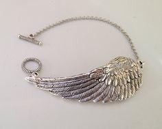 Steampunk Angel Wing Bracelet- Victorian bracelet Wish Bracelet Chain bracelet Jewelry Box, Jewelry Bracelets, Silver Jewelry, Jewelry Accessories, Jewelry Design, Jewelry Making, Jewlery, Angel Wings Jewelry, Angel Wing Bracelet