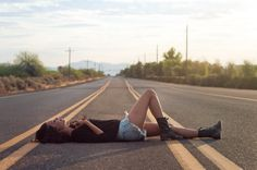 Get out and take a picture in the middle of a road, it'll look cool -Ekp Grunge Photography, Photography Poses, Taking Pictures, Cute Pictures, Fear The Walking Dead, Tumblr Girls, Photoshoot Inspiration, Picture Poses, Models