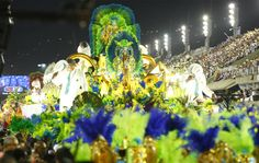 Love the colors!  Veja fotos do 1º dia de desfiles do carnaval em Rio de Janeiro