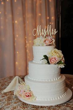 mr and mrs cake topper wedding cake topper gold cake topper rose gold cake topper silver Beautiful Wedding Cakes, Gorgeous Cakes, Amazing Cakes, Perfect Wedding, Wedding Cupcakes, Wedding Cake Toppers, 3 Tier Wedding Cakes, Glitter Wedding, Gold Wedding