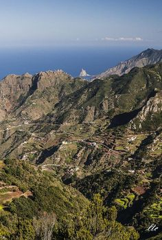 Macizo de Anaga, Tenerife [[MORE]](photo via   @ElMundoEnFoto)
