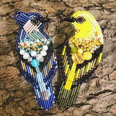 Брошь сойка 💙 700р. Брошь иволга 💛 700р. #брошьизбисера#брошиижевск#вышивка#ручнаяработа#брошьптица#брошьсойка#брошьиволга#голубаясойка#иволга#мода#броши#вналичииижевск#enbroidery#bird#art#handmade#nature#autumn#september