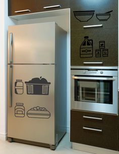 Abstract Kitchen Containers Wall Sticker. These thoughtfully decorated wall stickers present a winning trend to match the style and beautifully enhance the personality and looks of your contemporary kitchen decors. http://walliv.com/kitchen-tools-and-utensils-wall-sticker-wall-art-decal-795