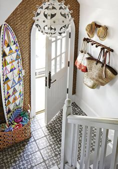 Colonial Foyer Entryway Ideas with regard to House - Home Decoarting Foyer Design, Design Entrée, Design Ideas, Entrance Design, Small Entrance, Entrance Hall, Modern Country, Home Modern, Country Chic