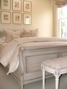Sleigh bed makeover for guest bedroom Sleigh Bed Painted, Painted Beds, Painted Bedroom Furniture, Shabby Chic Furniture, White Sleigh Bed, Hand Painted, Bedroom Furniture Makeover, Furniture Dolly, Furniture Vintage