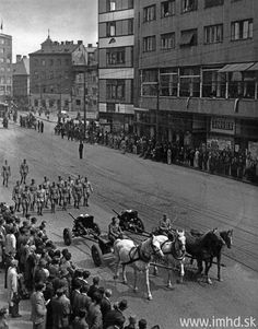 Oslobodenie Bratislavy 4. apríla 1945 Bratislava, Dolores Park, Retro, Travel, Times, Viajes, Destinations, Traveling, Trips