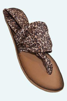 Beka Sandal in Leopard.