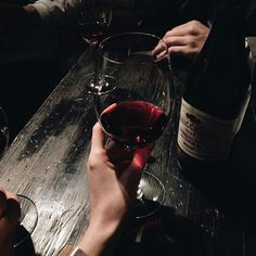 Super Ideas For Party Photography Drunk Party Photography, In Vino Veritas, Red Wine, Drinking, Alcoholic Drinks, In This Moment, Glass, Instagram, Aesthetics