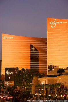 The Wynn and Encore Hotel resort and casinos on the Las Vegas strip. Wynn Casino Photos, Las Vegas Nevada    JUST GENIOUS HOW MR. Wynn designed the archituecture to set on the buidlings