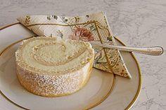 Zitronen - Biskuitrolle, ein tolles Rezept aus der Kategorie Kuchen. Bewertungen: 51. Durchschnitt: Ø 4,6.