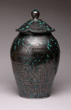 Sarah Jaeger  (I love this lid and the whole form!)