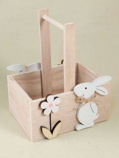 Woodworking Projects Diy, Wood Projects, Craft Projects, Plastic Bead Crafts, Baby Easter Basket, Diy Ostern, Pinterest Crafts, Wooden Shapes, Wooden Animals