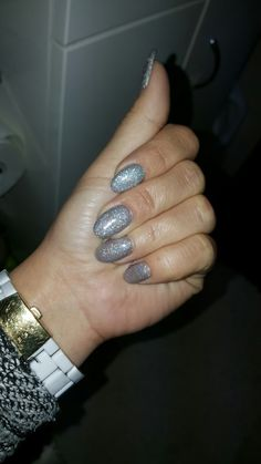 Halogen nails