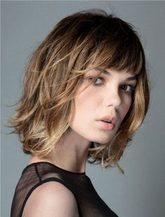 If you are looking for a lovely and adorable hairstyle for your hair you may tr Fringe Hairstyles adorable Hair Hairstyle Lovely Pelo Midi, Medium Hair Styles, Curly Hair Styles, Great Hair, Short Hair Cuts, Short Bangs, Blunt Bangs, Thin Wavy Hair, Wavy Bangs