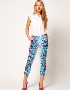 Floral crop trousers